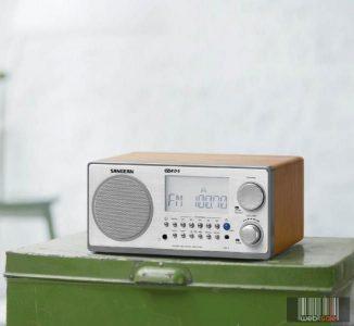 Sangean WR-2 S FM / AM digitális szintéreres fa dobozos asztali rádió (ezüst)